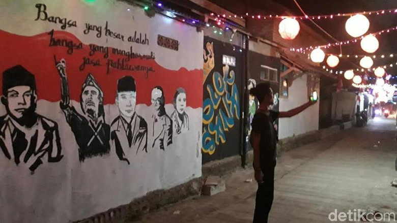 Merawat Kebhinekaan Ala Kampung 1.000 Lampion di Indramayu