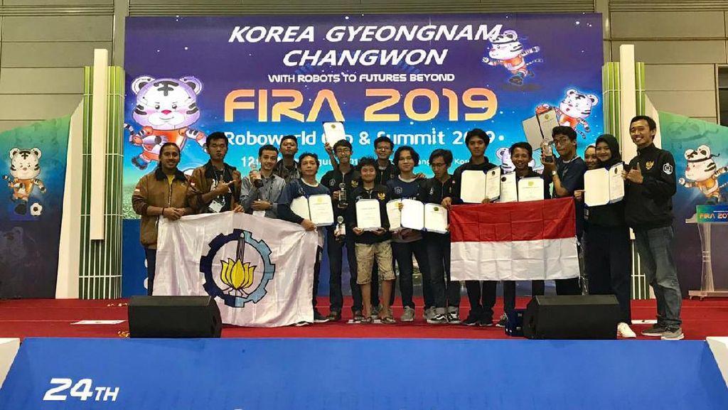 Tim Robotika ITS Sabet 14 Penghargaan Kompetisi Robot di Korea Selatan