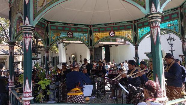 Pentas musikan di Keraton Yogyakarta.