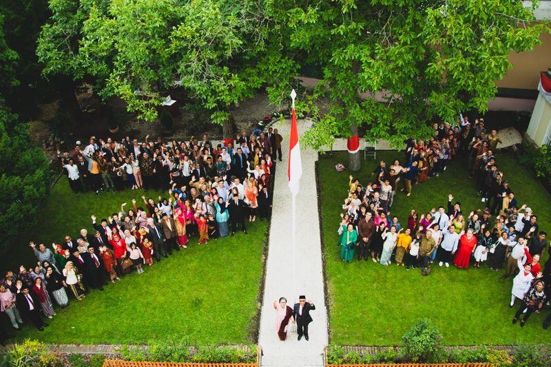 Masyarakat dan diaspora Indonesia larut dalam perayaan HUT ke-74 RI di Wisma Duta Besar RI Praha, Republik Ceko pada Sabtu (17/8) akhir pekan lalu. (dok. KBRI Praha)