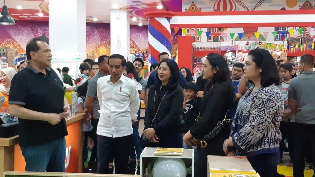 Ditemani CT, Jokowi Ajak Keluarga ke Trans Studio Cibubur