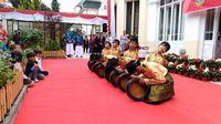 Tarian khas Aceh (dok. KBRI Praha)