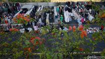 Suara Pedagang Kecil: Di Jalan Mati Kena Corona, di Rumah Mati Lapar