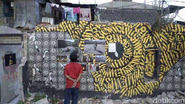 Potret Kesertaraan di Balik Reruntuhan Rumah Deret Tamansari Bandung