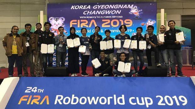 Tim ITS Rebut 14 Penghargaan dari Kejuaraan Dunia Robot FIRA