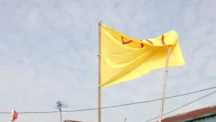Bendera kuning bertulisan PKI. (Foto: Istimewa via Antara)