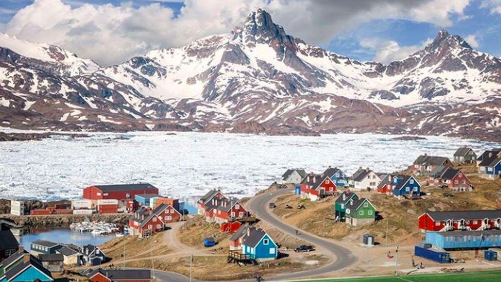 Es di Greenland yang Mau Dibeli Trump Mencair Lebih Cepat