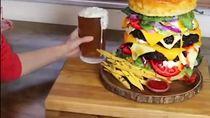Unik! Pancake dan Buger yang Persis Aslinya Ini Terbuat dari Kue