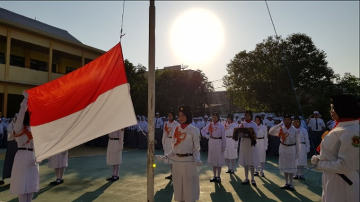 Upacara Kemerdekaan di Smadhani
