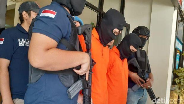 Komplotan Pencuri Modus Ngaku Anggota Polri Ditangkap di Jaksel