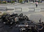 Sisa-sisa Bangkai Kendaraan Pasca-aksi Massa di Sorong
