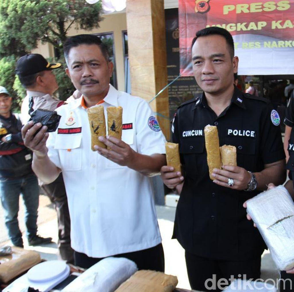 Polisi Bandung Tangkap 2 Kurir Ganja Senilai Rp 60 Juta Jaringan Aceh