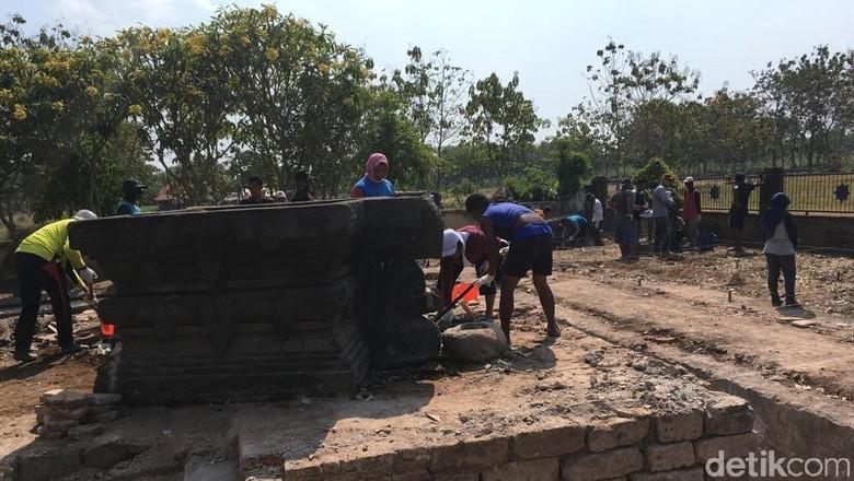 Struktur Mirip Candi Ditemukan Terpendam di Petilasan Tribhuwana Tunggadewi