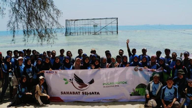 Pertamina Ajak Milenial Lindungi Elang Bondol di Pulau Seribu