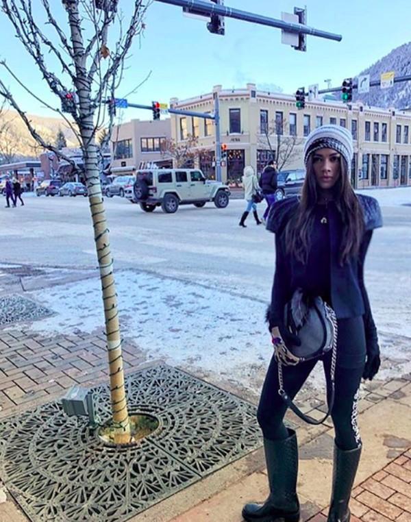 Menikmati musim dingin di Hotel Jerome, an Auberge Resort, di St Aspen, US (adindabakrie/Instagram)