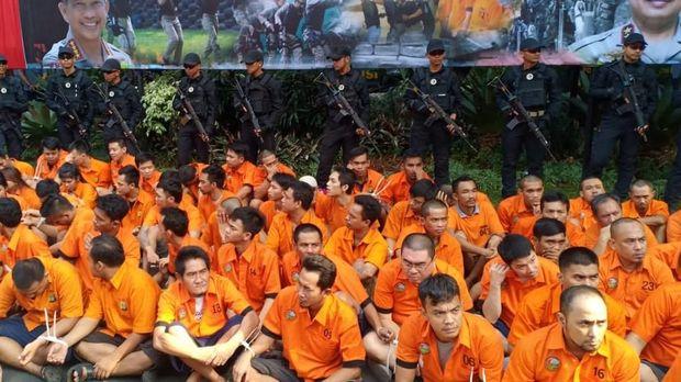 Total ada 154 tersangka yang ditangkap polisi selama 2 bulan operasi ini.