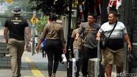 Pedestrian dengan panjang kurang lebih 10 kilometer itu ditargetkan selesai bulan Desember 2019 mendatang. Revitalisasi itu juga mencakupi pembangunan 100 meter jalur trotoar ekspresi kreativitas, citra baru plaza Taman Ismail Marzuki. Lalu adanya koneksi komuter menuju moda transportasi di Stasiun Cikini.