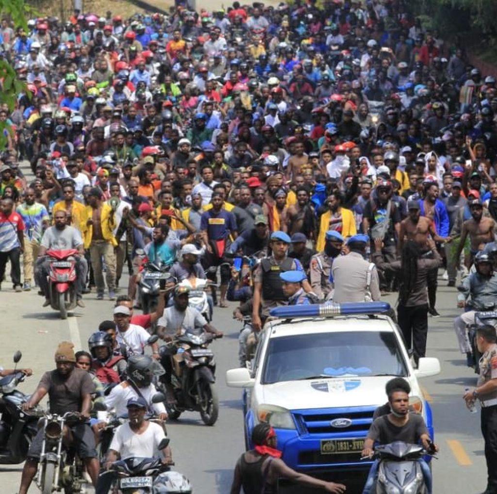 Pernyataan Teduh Gubernur-Wali Kota di Tengah Ricuh Papua