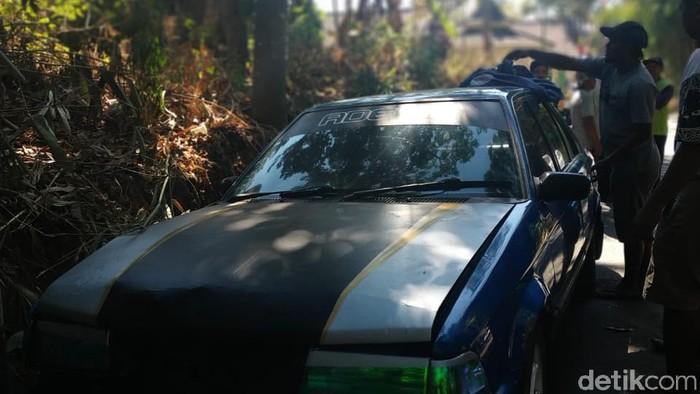 Pencurian kambing pakai mobil sedan di Boyolali, Senin (19/8/2019). -- Foto: Ragil Ajiyanto/detikcom