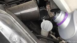 Musim Hujan, Cek Air Wiper Jangan Pakai Air Mineral dan Detergen