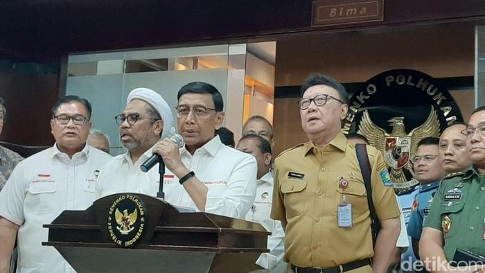 Foto: Menko Polhukam Wiranto jumpa pers (Lisye Sri Rahayu/detikcom)