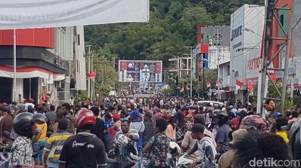 Massa Berdemo, Kompleks Pertokoan di Jayapura Papua Tutup