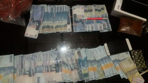 Uang hasil perampokan
