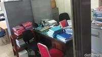 Wali Kota Yogyakarta, Haryadi Suyuti membenarkan adanya penyegelan di salah satu ruang Kantor DPUPKP Kota Yogyakarta. Namun, ia tidak mengetahui kapan penempelan stiker dari KPK tersebut.