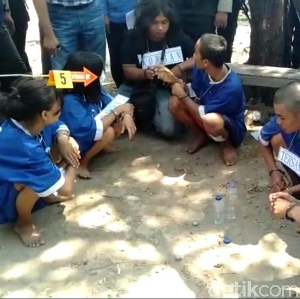 Para Pelaku Pembunuhan ABG di Tegal Jalani Rekonstruksi