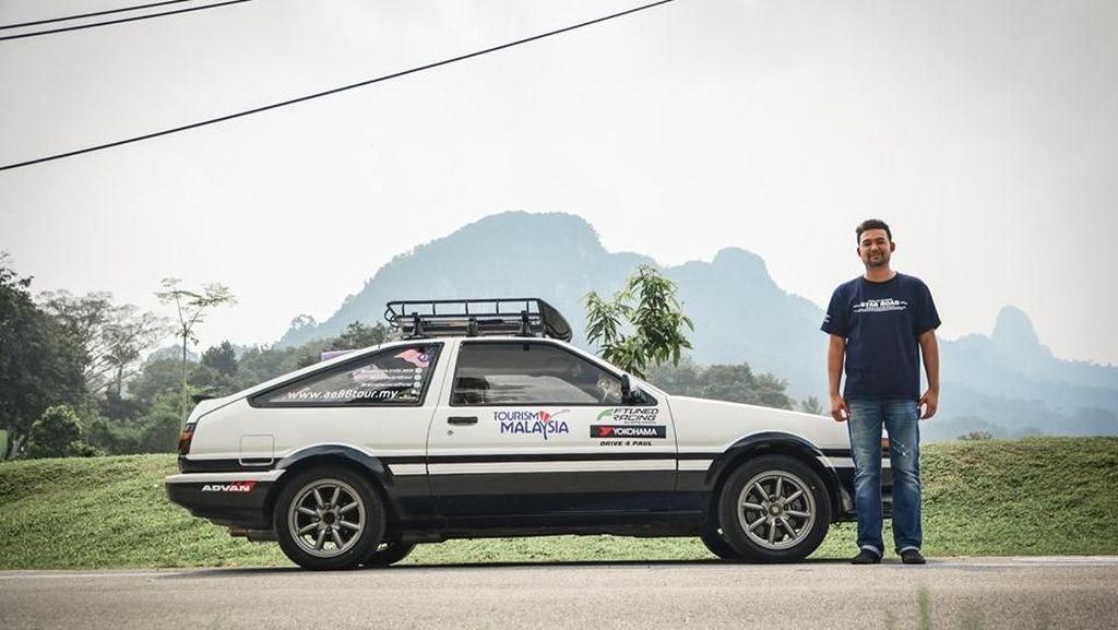 Viral, Pria Tempuh 32 Ribu KM Berkendara Mobil Demi Lamar Pacar