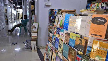 Foto: Pasar Buku Kenari yang Viral di Twitter