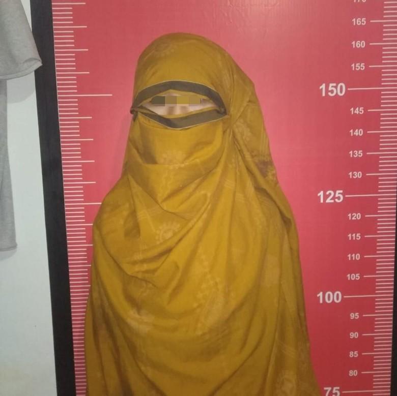 Tampil ala Ninja, Bocah SMP di Sukabumi Satroni Rumah Tetangga