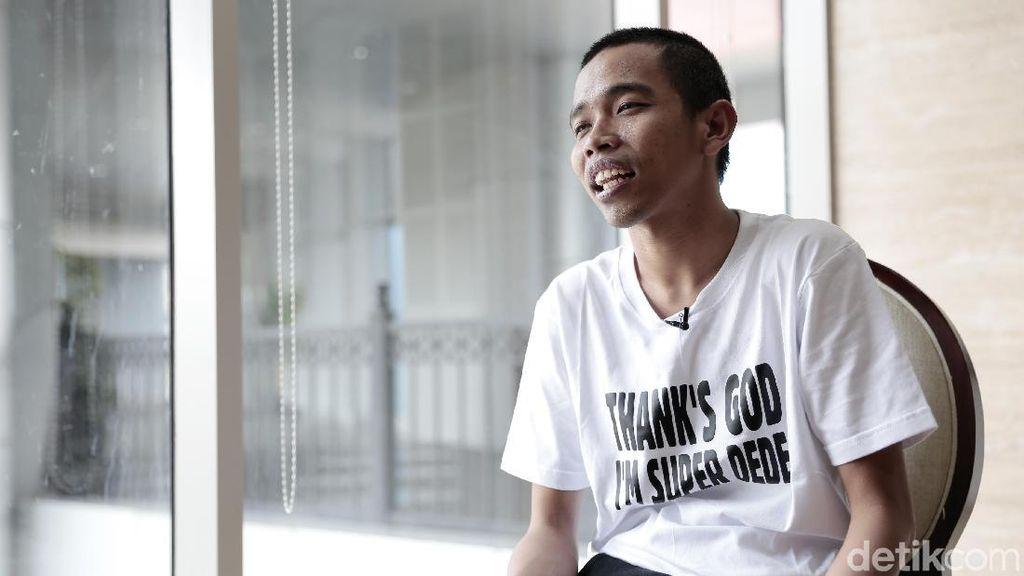 Dede Sunandar Masih Bisa Tertawa di Depan Kamera Meski Terluka