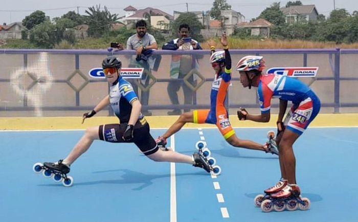 Acara yang dihelat sejak 16-18 Agustus 2019 itu, sedikitnya diikuti oleh puluhan atlet dari 4 negara yakni Indonesia, India, Hongkong dan New Zealand yang bertanding memperebutkan gelar juara untuk olahraga sepatu roda. Foto: dok. GT Radial
