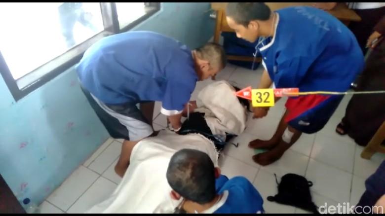 Jalani Reka Ulang, 5 Pelaku Pembunuhan ABG di Tegal Cengengesan