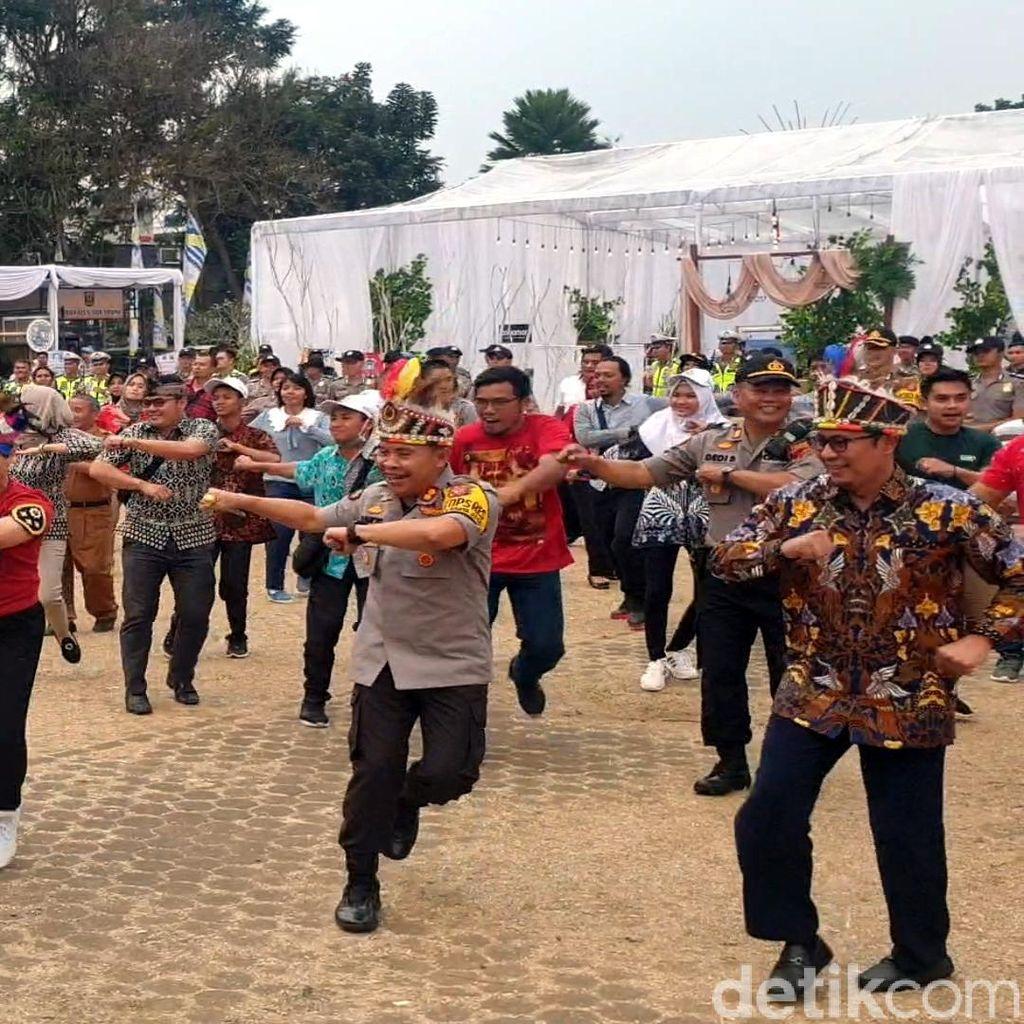 Solidaritas untuk Papua, Pejabat-Warga Sukabumi Kompak Menari Sajojo