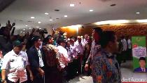 Pekik Papua Damai Iringi Jokowi Tinggalkan Muktamar PKB