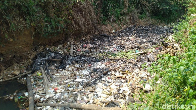 Lurah Cibinong Jelaskan soal Pulau Sampah Bak Reklamasi di Kalibaru Bogor