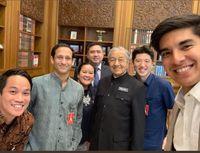 Saat CEO Gojek Grup Nadiem Makarim bertemu dengan Perdana Menteri Malaysia Mahathir Mohamad