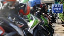 Tolak Tarif Parkir DKI Naik, Netizen Bilang Begini