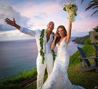 Cantiknya Gaun Pengantin Rp 117 Juta Lauren Hashian, Istri Dwayne Johnson