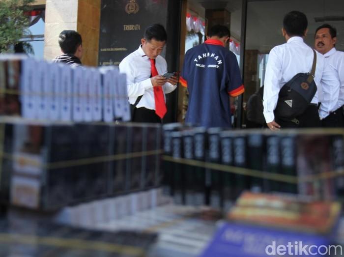 Pencuri bobol minimarket di Ciwidey curi ribuan bungkus rokok. (Foto: Wisma Putra/detikcom)