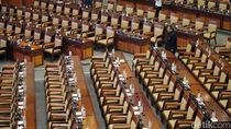 268 Botol Air Mineral Gantikan Anggota Dewan Rapat Paripurna