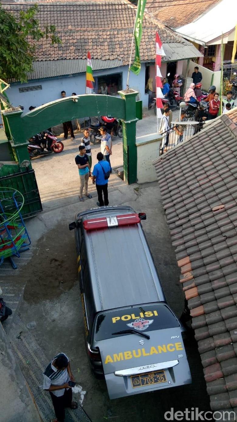 Siswa SMK yang Juga Santri di Karawang Diduga Gantung Diri dengan Sorban