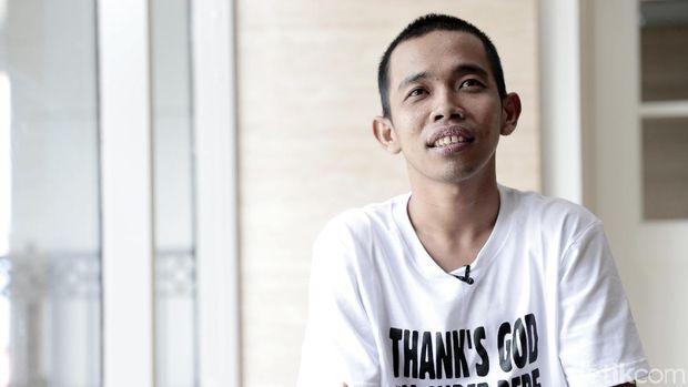 Dede Sunandar Berjuang demi Anak yang Idap Sindrom Williams