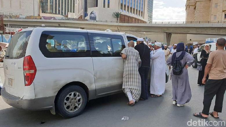 Ilustrasi taksi di Makkah (Ardhi/detikcom)
