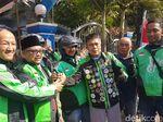 Anggota DPRD Jember Diarak Ojol ke Tempat Pelantikan