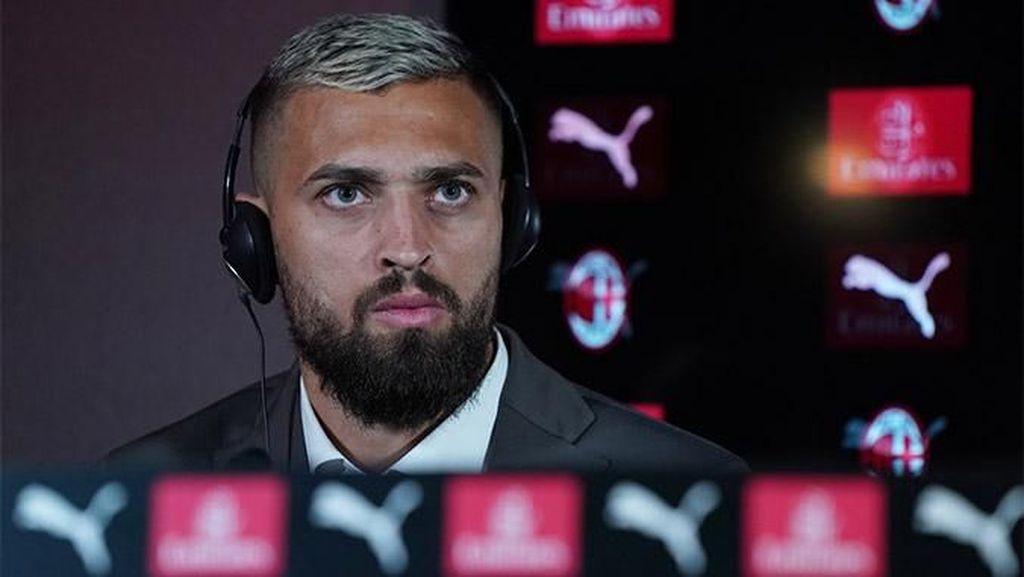 Bek AC Milan Leo Duarte Positif Virus Corona
