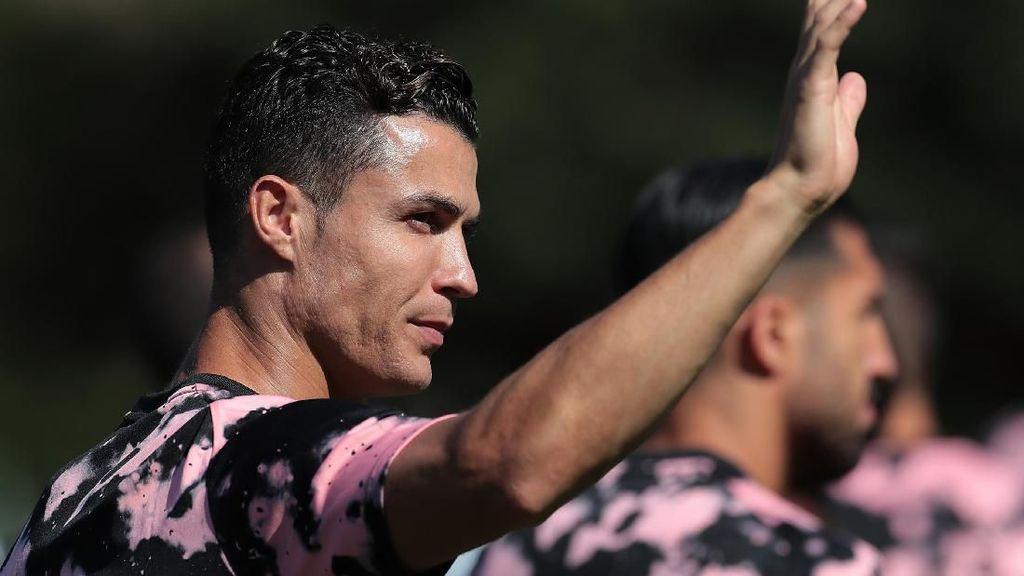 Ronaldo Sudah Keren Bantu Selamatkan Amazon, tapi Fotonya Itu Lho...