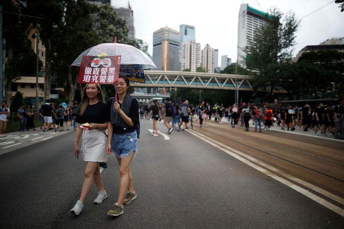 Hong Kong masih memanas. Massa yang menolak UU Ektradisi berdemo di sejumlah tempat. REUTERS/Kim Hong-Ji.
